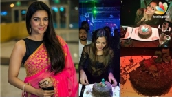 Asin celebrates her birthday with Rahul Sharma in Maldives