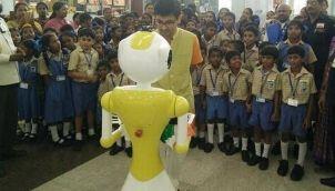 பயணிகளுக்கு உதவ சென்னை ரோபோ | payanigalukku Udhava Chennai Robo